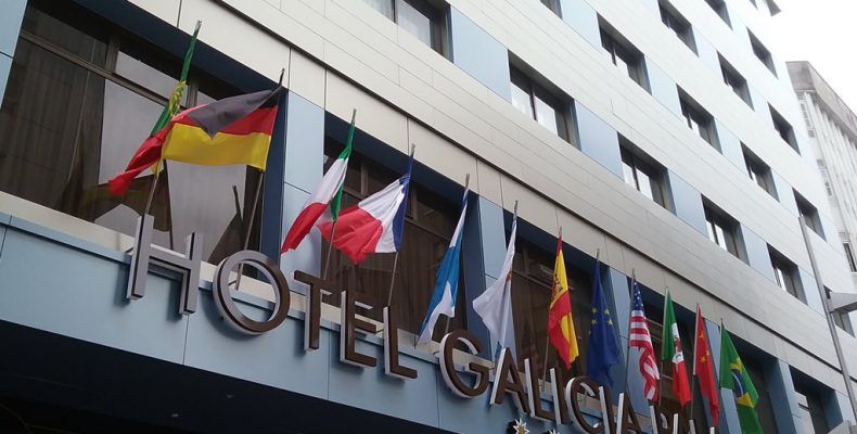Reforma fachadas Hotel Galicia Palace con composite STAC BOND de Laminados LEMA
