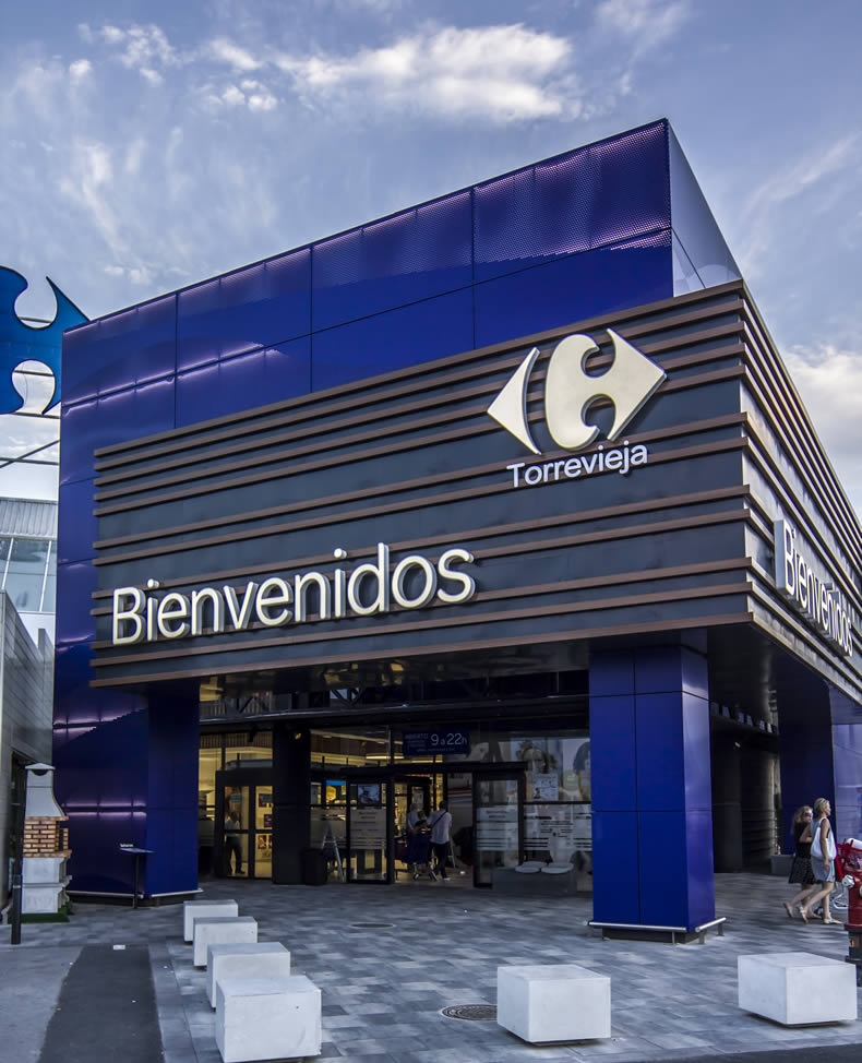 Imagen principal del Centro Comercial Carrefour en Torrevieja con las soluciones LEMA STACBOND