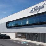 Instalación aluminio perforado en la fábrica Conservas La Brújula
