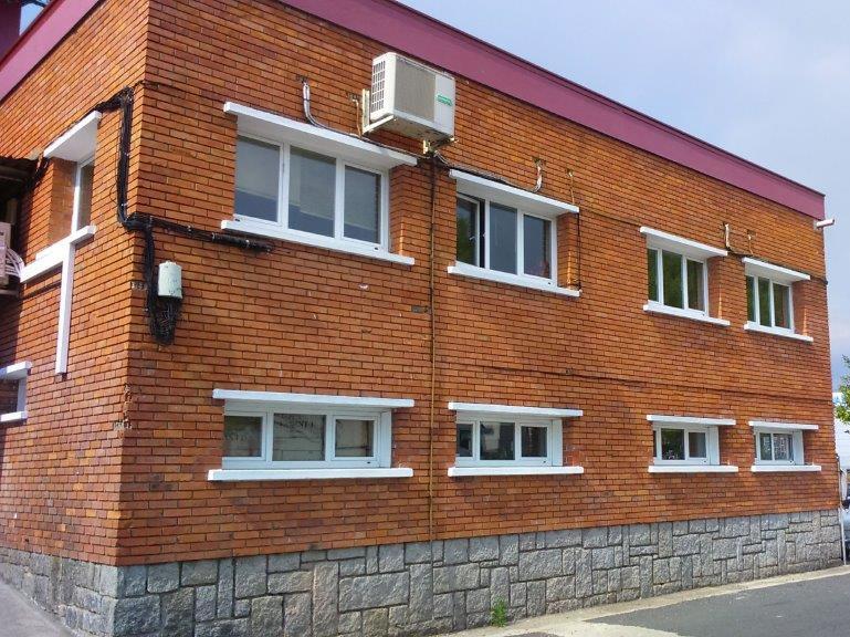Imagen de edificio Coren Ourense antes de la instalación de fachadas ventiladas LEMA STACBOND PE