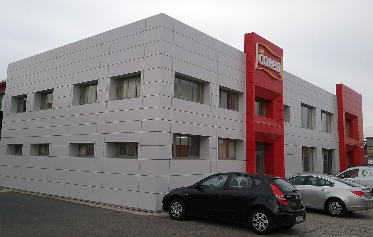 Instalación fachadas LEMA STACBOND PE en Coren Ourense