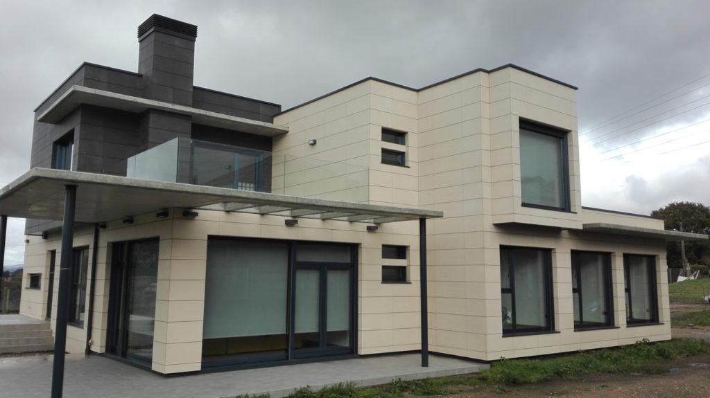 Fachadas ventiladas cerámica extrusionada para espectacular vivienda en Pontevedra - Cerámico extrusionado