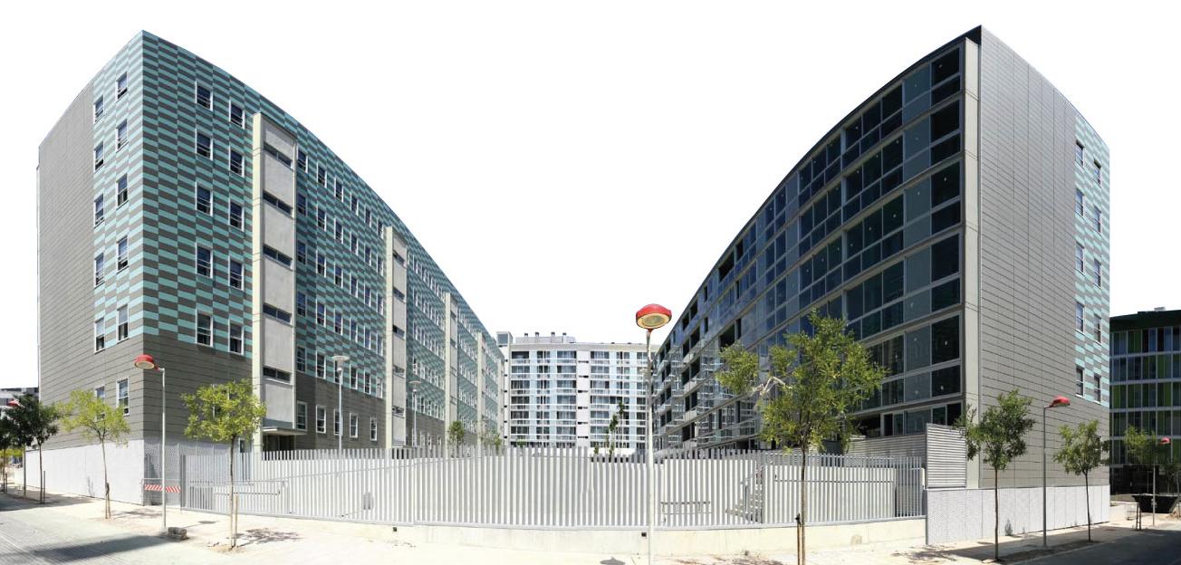 Imagen de obra fachada ventilada con panel cerámico FAVETON urbanización