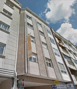 Imagen del inicio de la obra de fachada en edificio de vivienda en Pontevedra