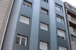 Imagen de la obra finalizada, fachada en edificio de viviendas en Pontevedra