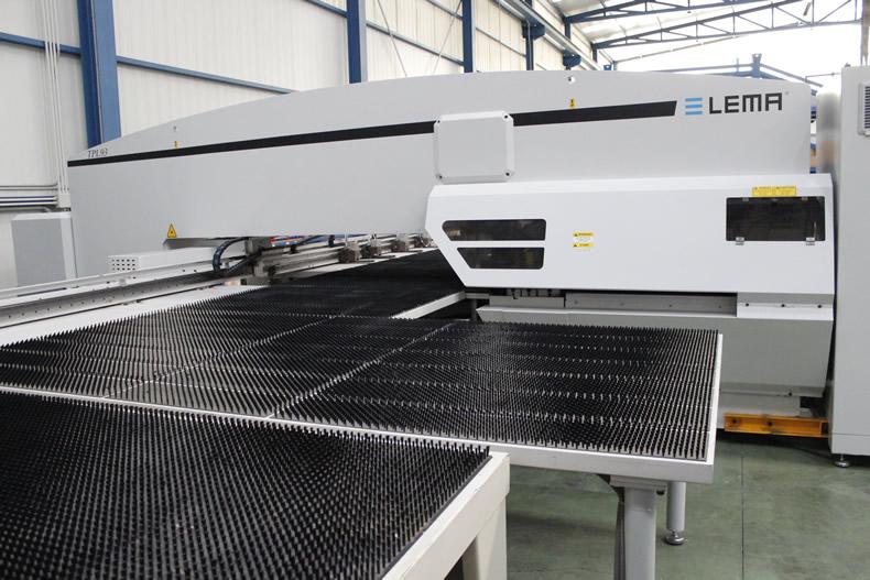 Imagen principal de las punzonadoras de las líneas de producción de Laminados LEMA