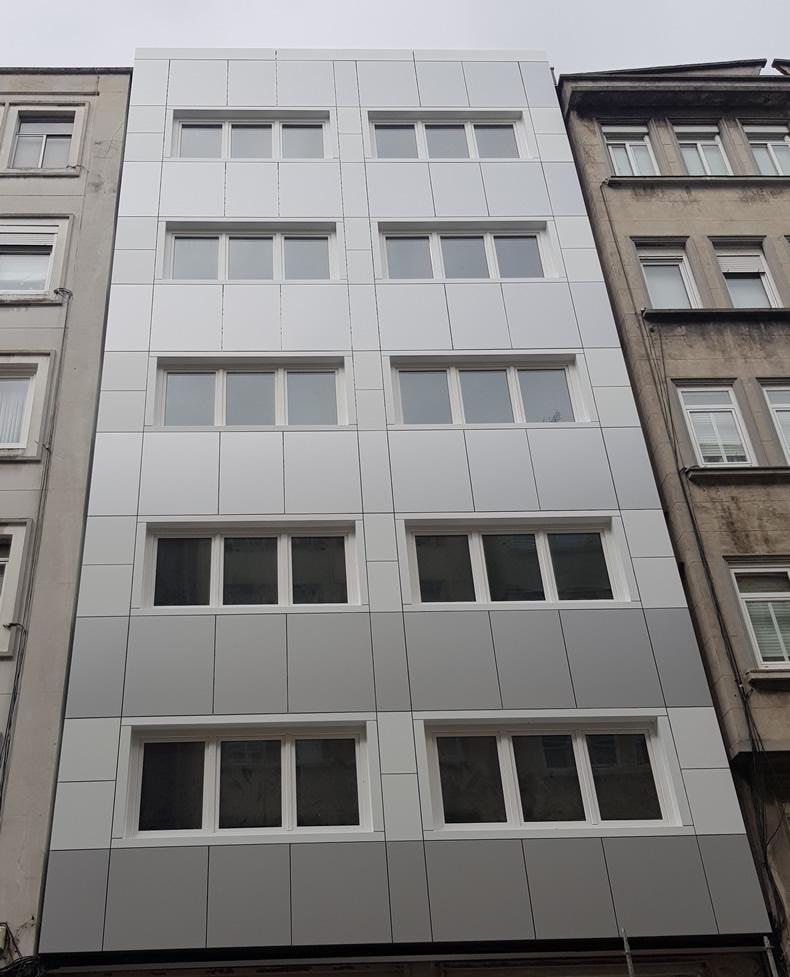 Imagen para cuerpo de noticia Rehabilitado edificio de viviendas en A Coruña con soluciones arquitectónicas de calidad LEMA STACBOND