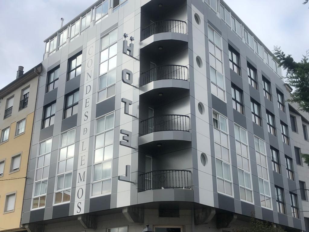 Imagen principal de la obra de rehabilitación del Hotel Condes de Lemos con sistemas arquitectónicos LEMA STACBOND