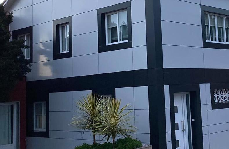 Imagen de detalle Casa Portuguesa tras la renovación de fachada ventilada con los sistemas LEMA STACBOND