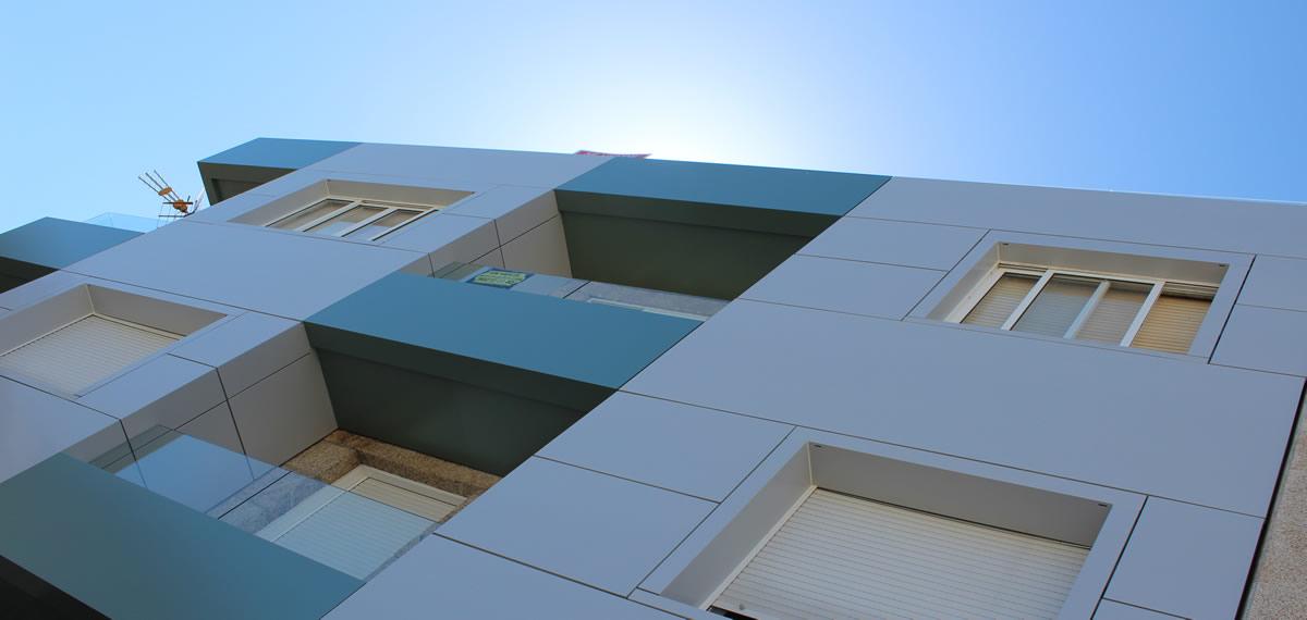 Imagen detalle de fachada ventilada en Sanxenxo