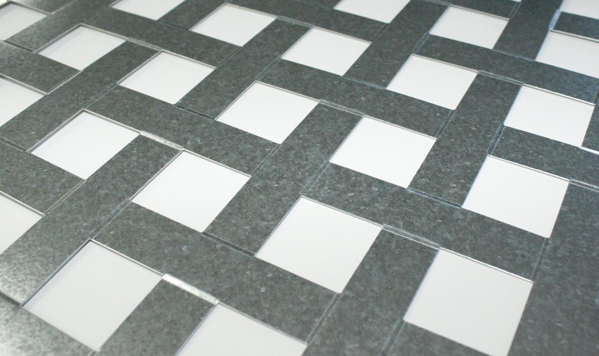 Imagen de detalle de la chapa Trenzalum LEMA acero galvanizado