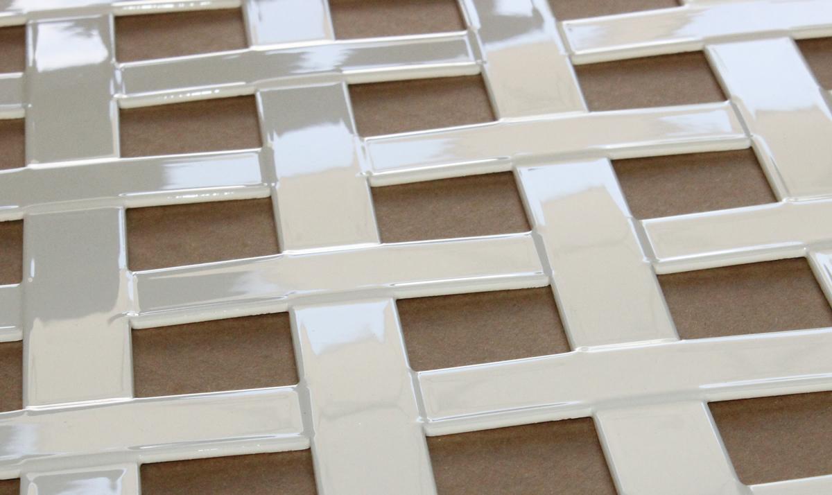 Imagen de detalle de la chapa trenzada Trenzalum LEMA aluminio lacado en blanco