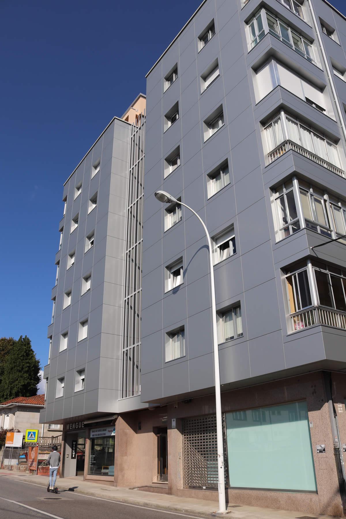 Imagen principal de la noticia Bloques de viviendas rehabilitados con fachadas LEMA STACBOND